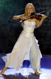 Celtic Woman 2014 Mairead_Agata_Stoinska